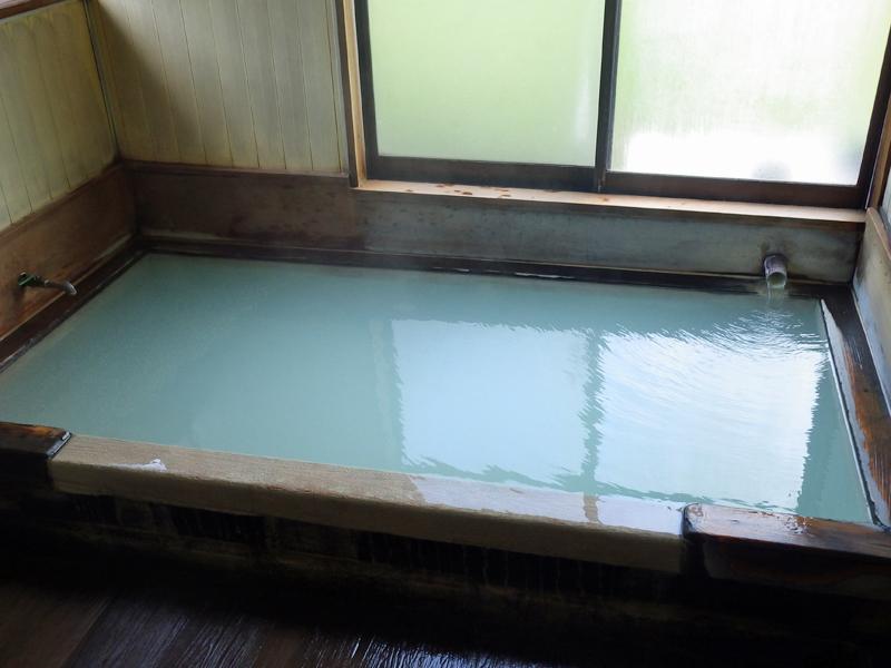 くろがね小屋温泉の浴室