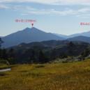 駒の小屋から見た尾瀬の燧ヶ岳と至仏山