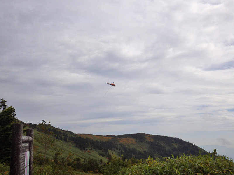 会津駒ヶ岳・駒の小屋へのヘリ空輸