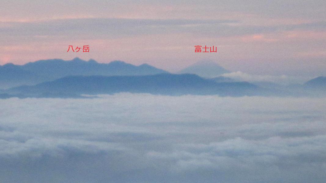 遠くに富士山も見える。
