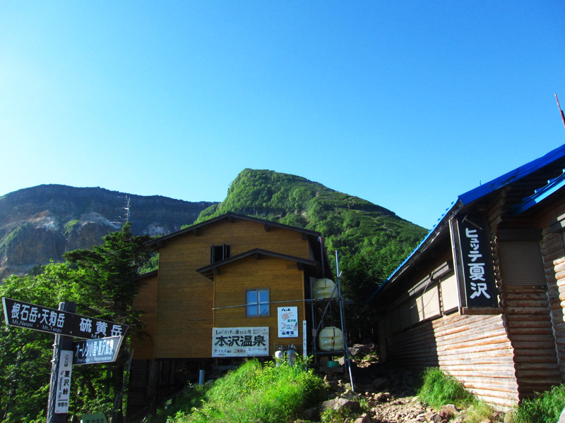 夏沢峠小屋と硫黄岳
