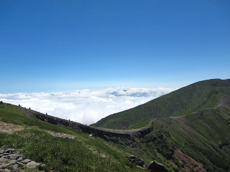 硫黄岳~横岳への縦走路