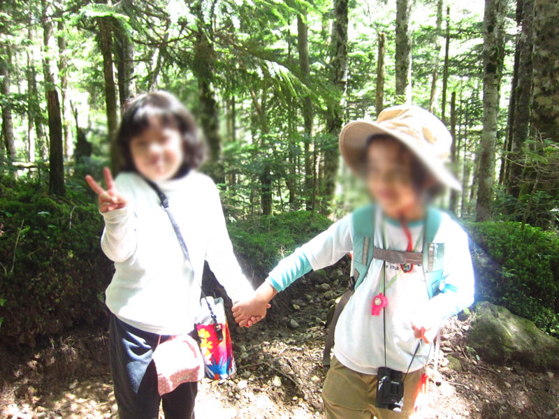 浜松から来た家族連れの女の子(同い年)と仲良くなった