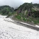 大雪渓への落石