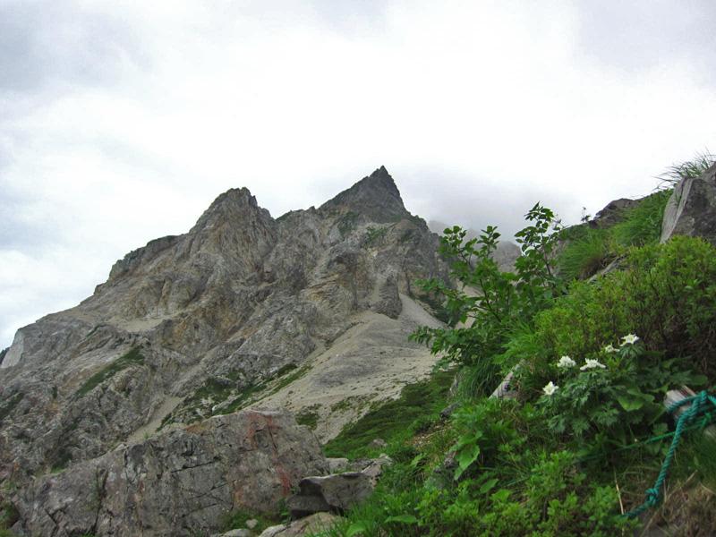 杓子岳(2812m)北側の天狗菱