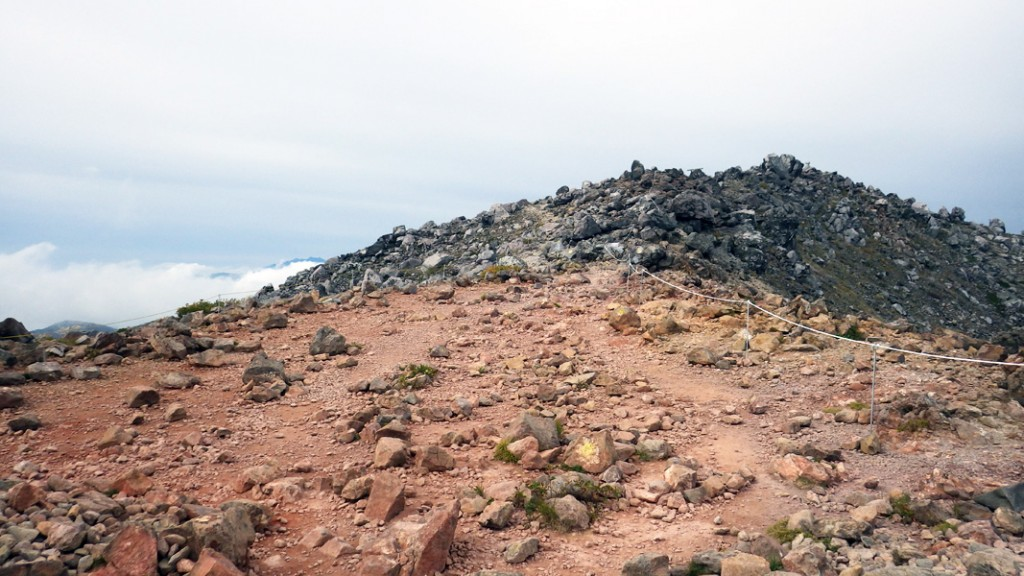茶臼岳山頂すぐ手前