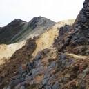 朝日岳直下の岩場