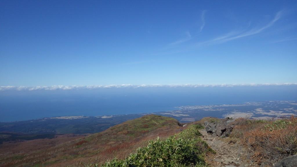 鳥海山から見た日本海