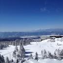 ちょっと登った所から見た北八ヶ岳ロープウェイ山頂駅