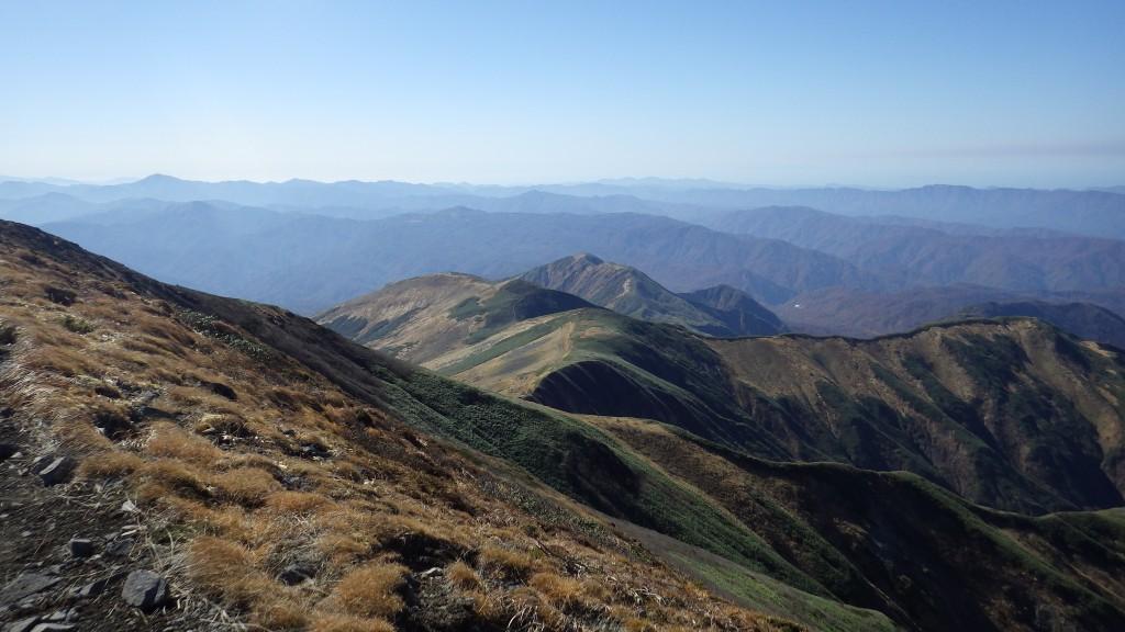 山頂から見た姥ヶ岳