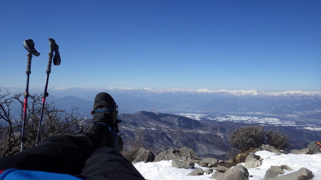 赤城山山頂で昼寝