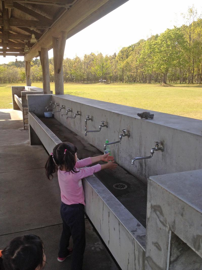 涸沼自然公園キャンプサイト炊事場の水道