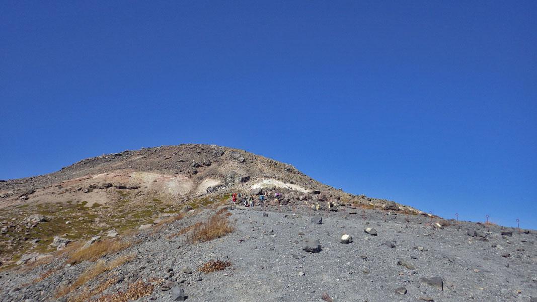 茶臼岳山頂方向