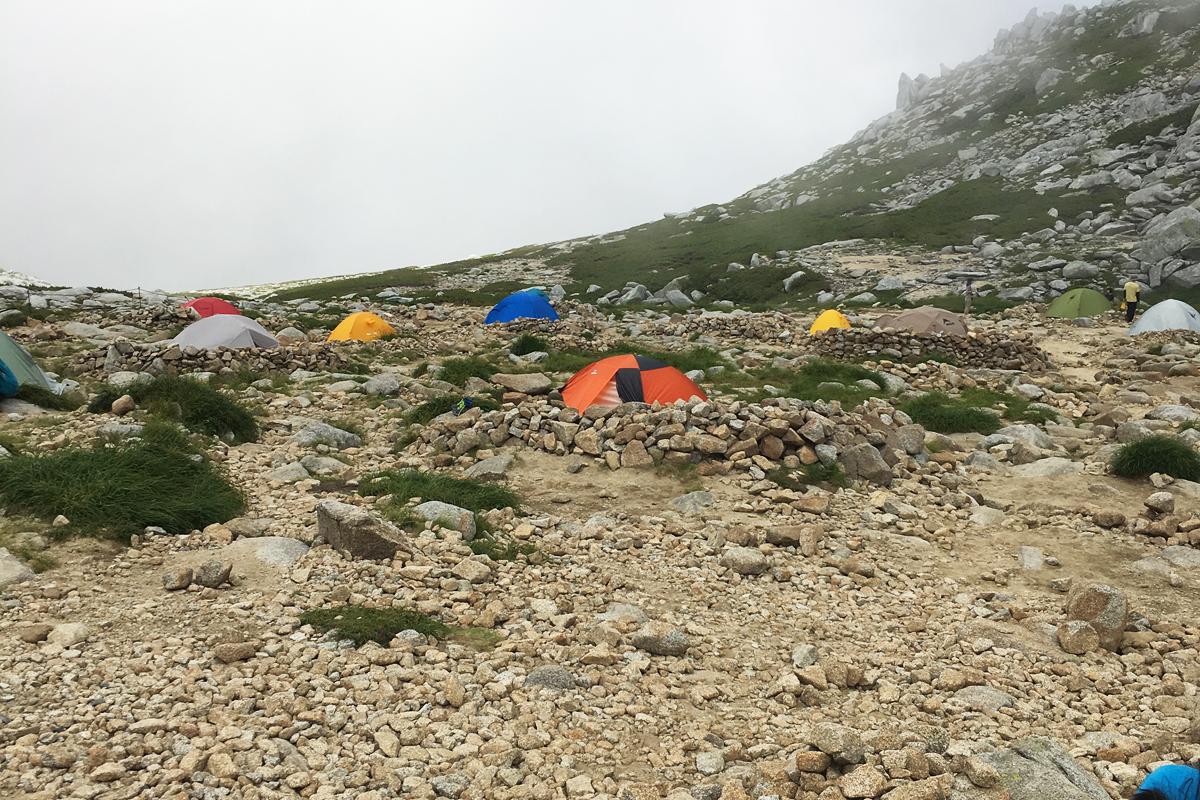 駒ヶ岳頂上山荘テント場