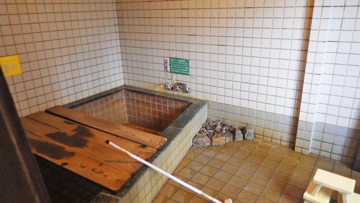 尾瀬温泉小屋浴室
