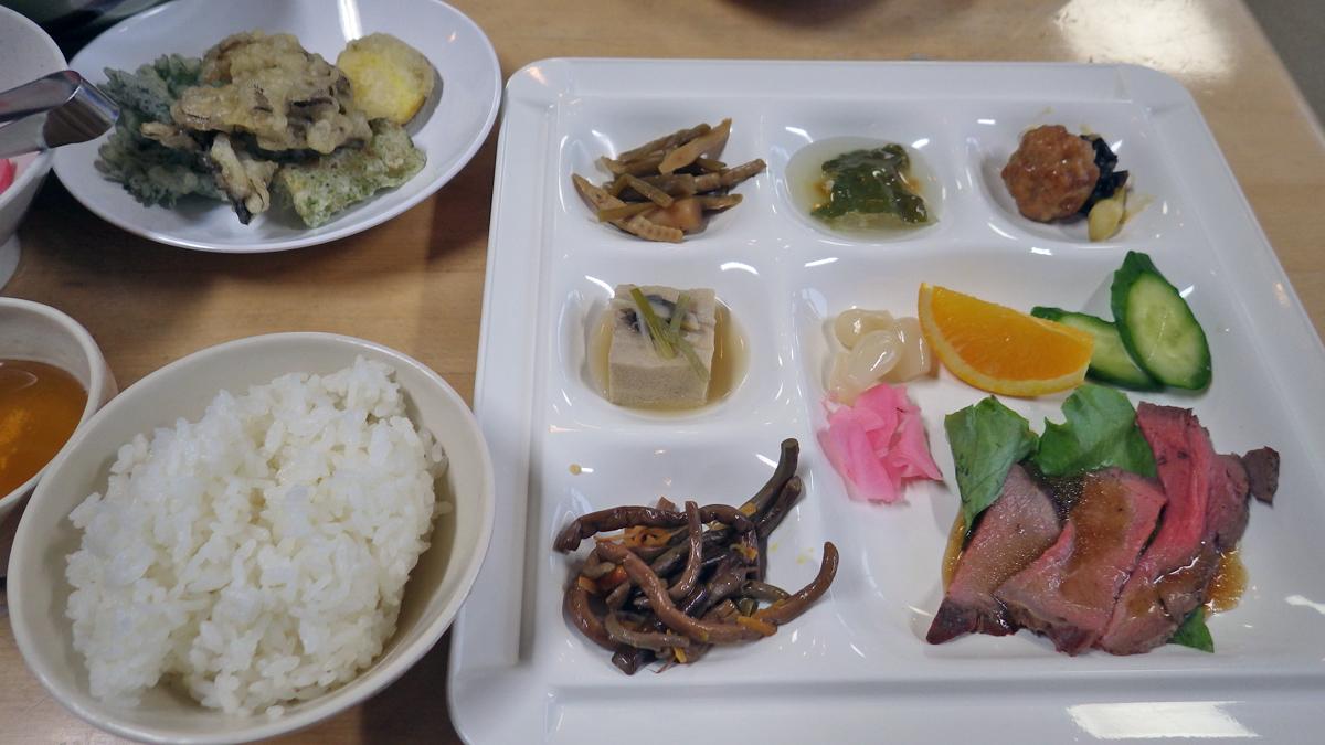 尾瀬温泉小屋の夕食