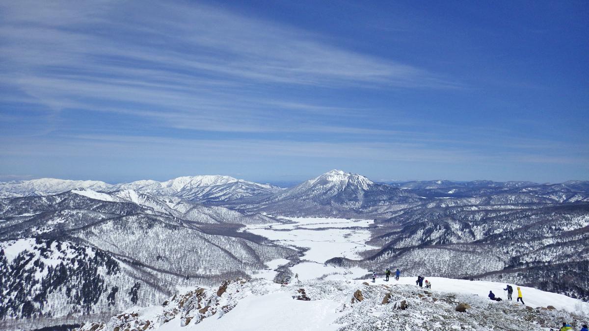 雪の尾瀬ヶ原と燧ケ岳
