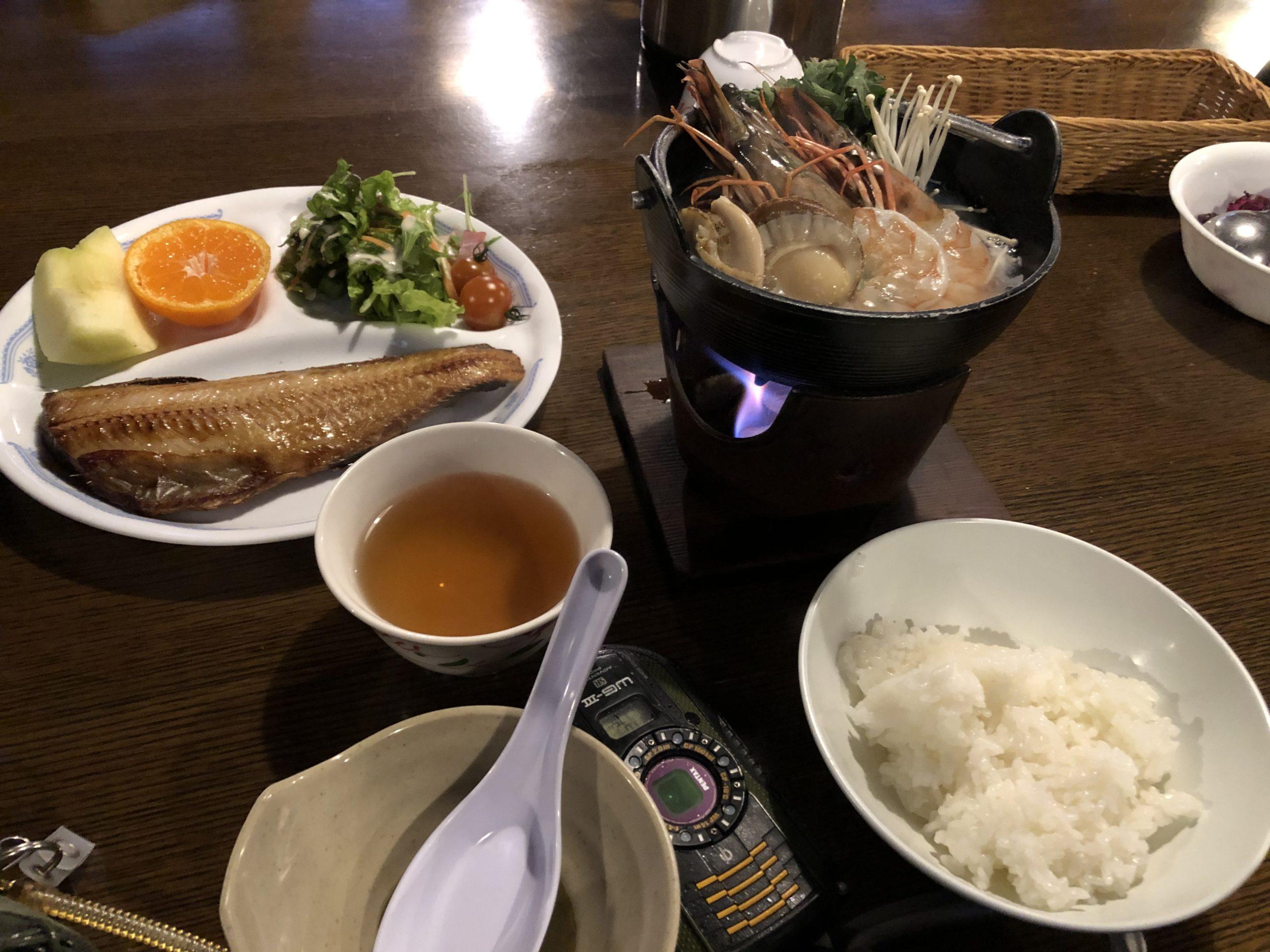 赤岳鉱泉の夕食、海鮮鍋