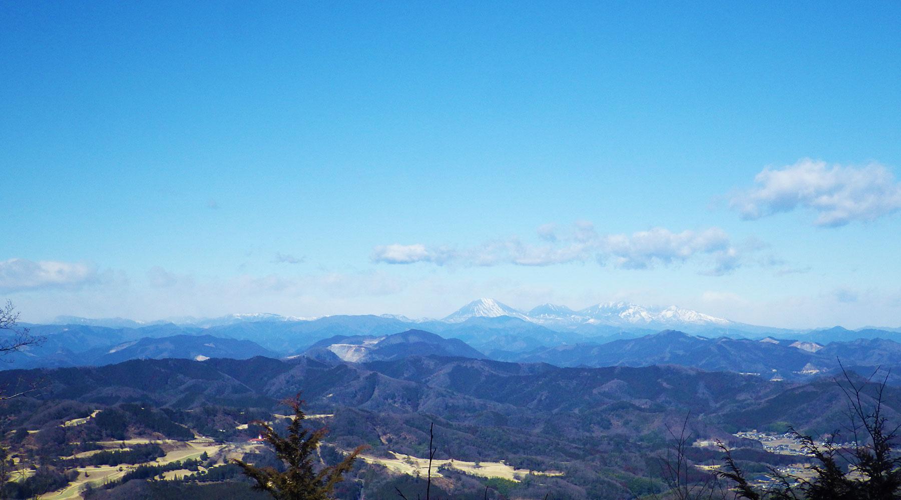 晃石山から見た日光方面の眺め