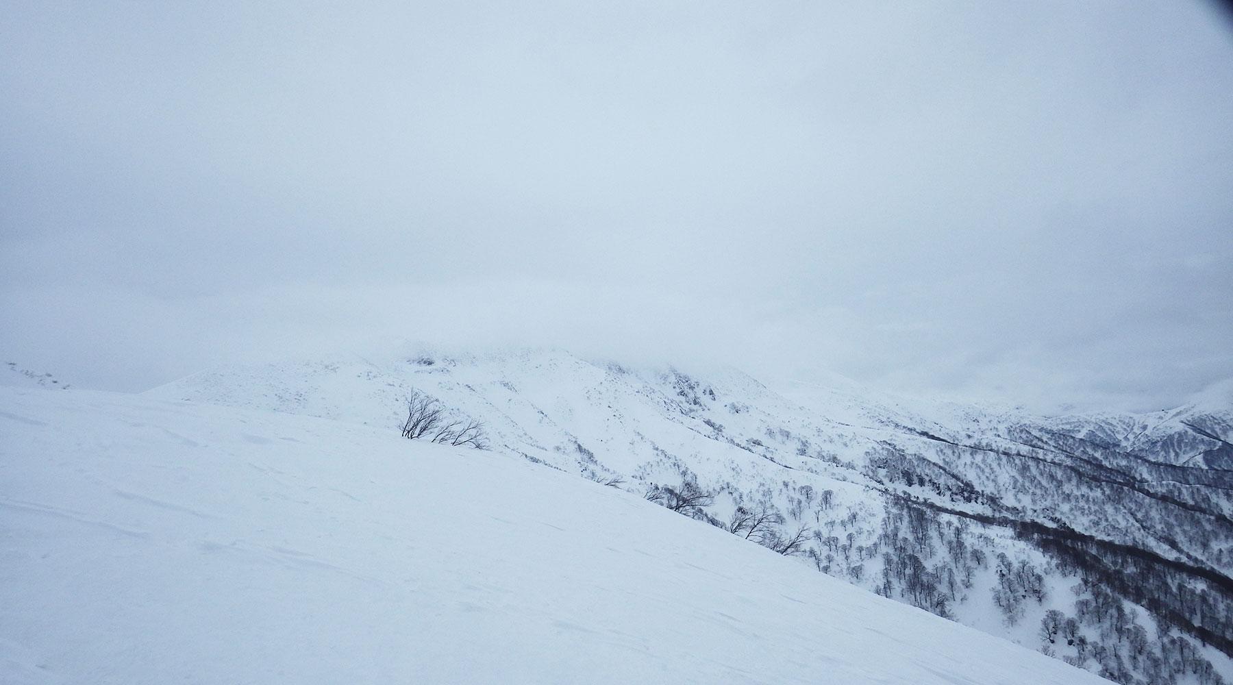 巻機山の南に続く稜線