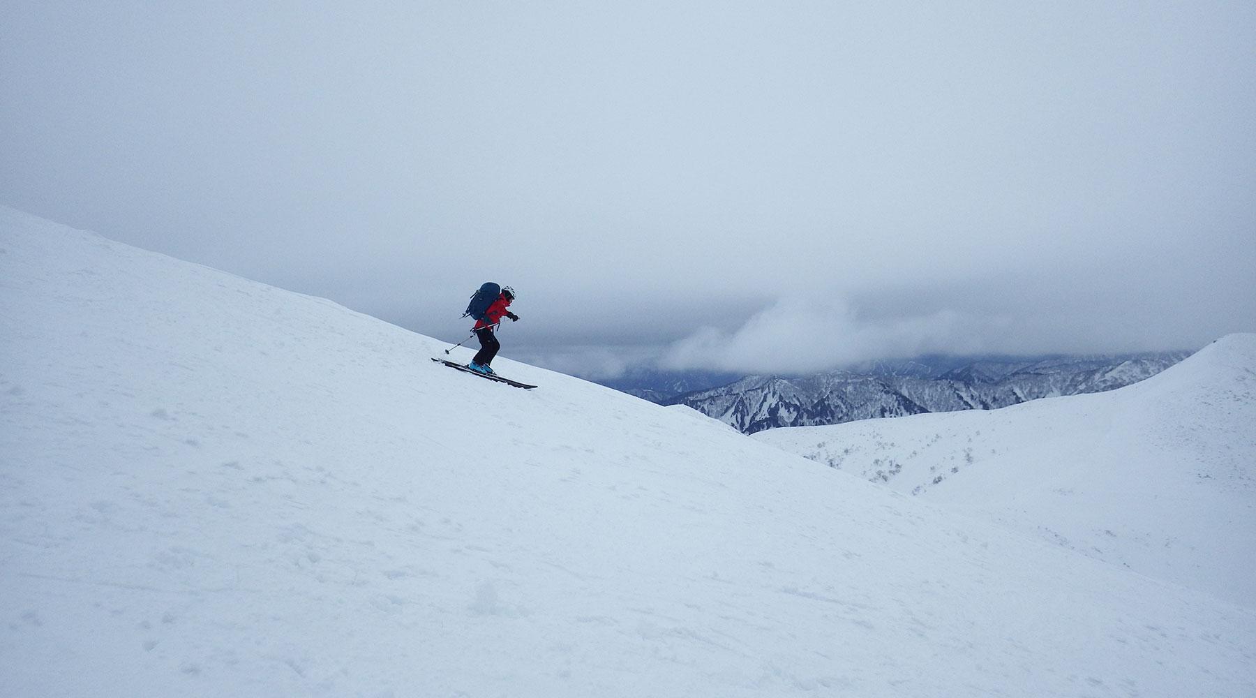 巻機山・山スキーで滑降