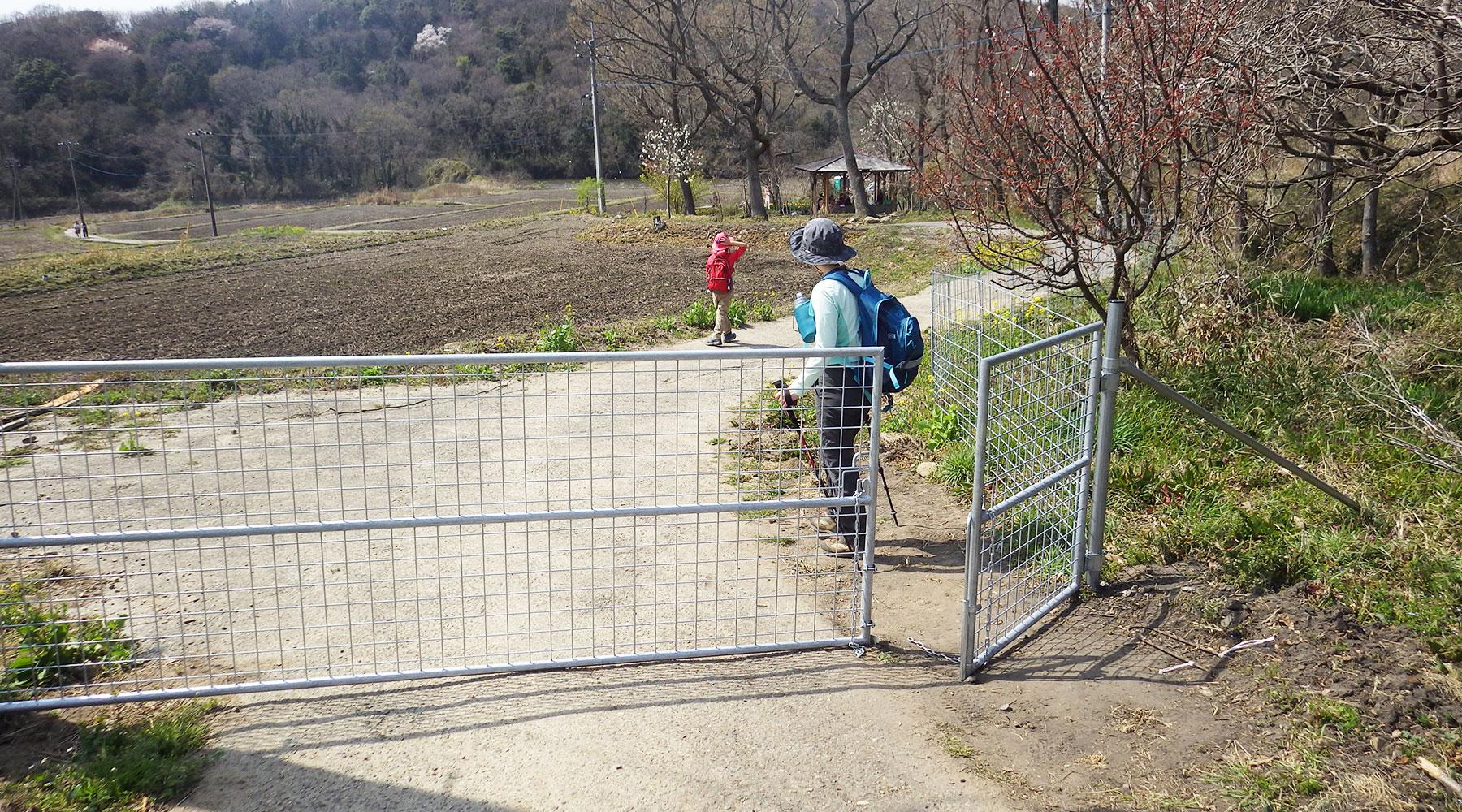 極楽寺コース・ゲート