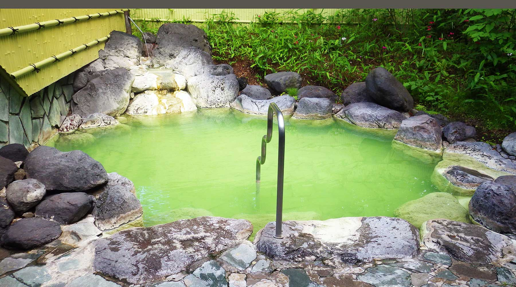 光徳温泉の露天風呂