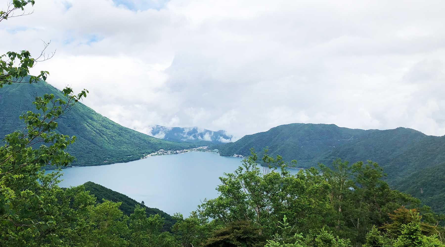 社山から見た中禅寺湖