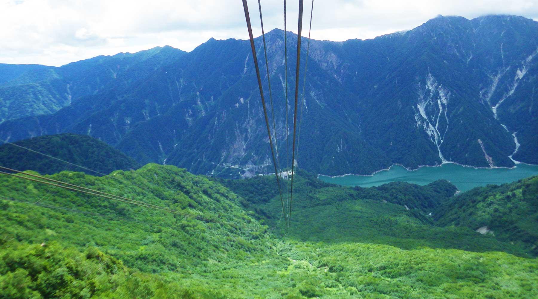 立山ロープウェイから見た黒部湖