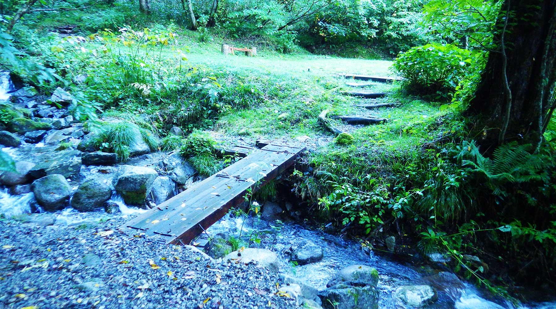 猿倉登山口の木橋