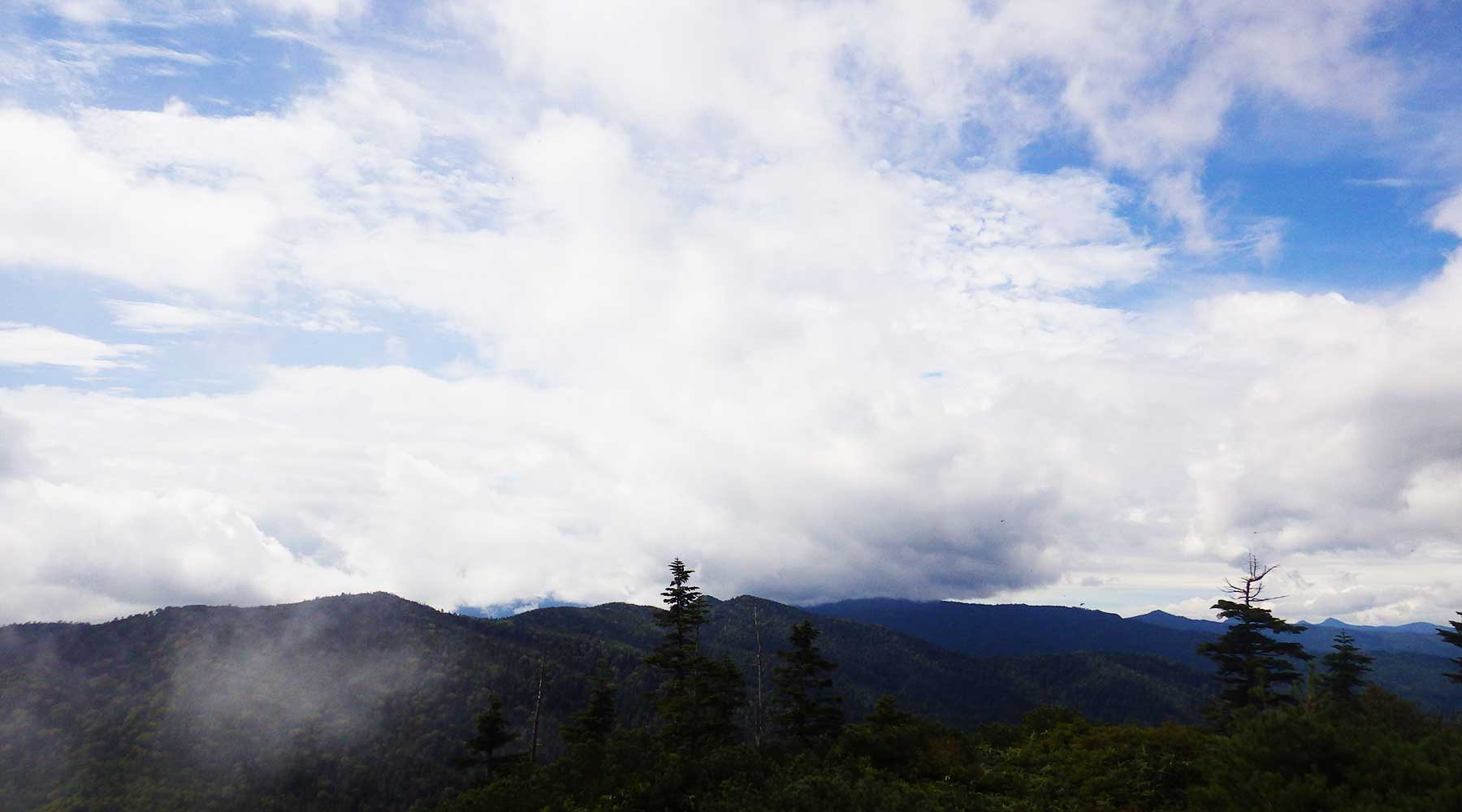 帝釈山に近づく乱層雲