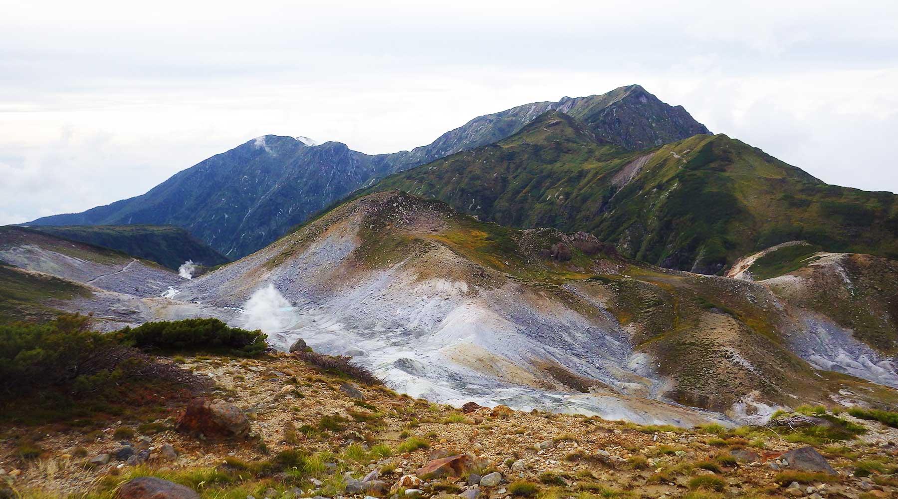 地獄谷と大日三山