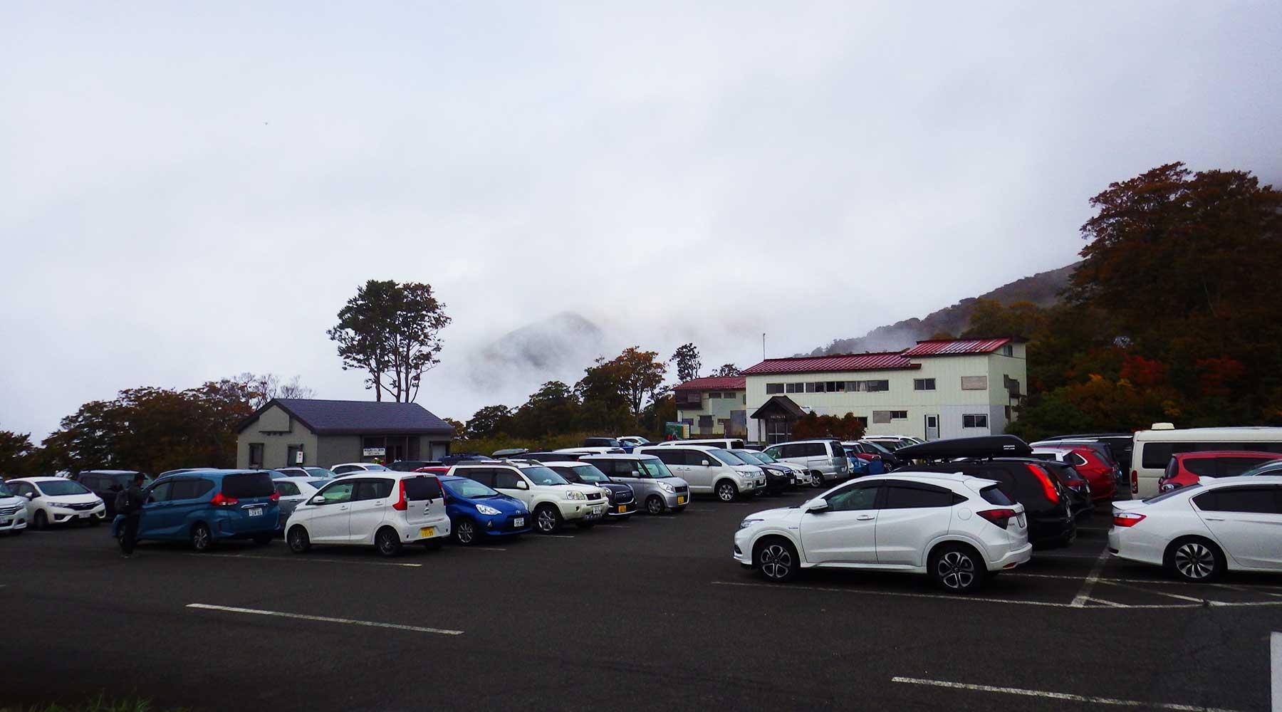 月山・姥沢駐車場
