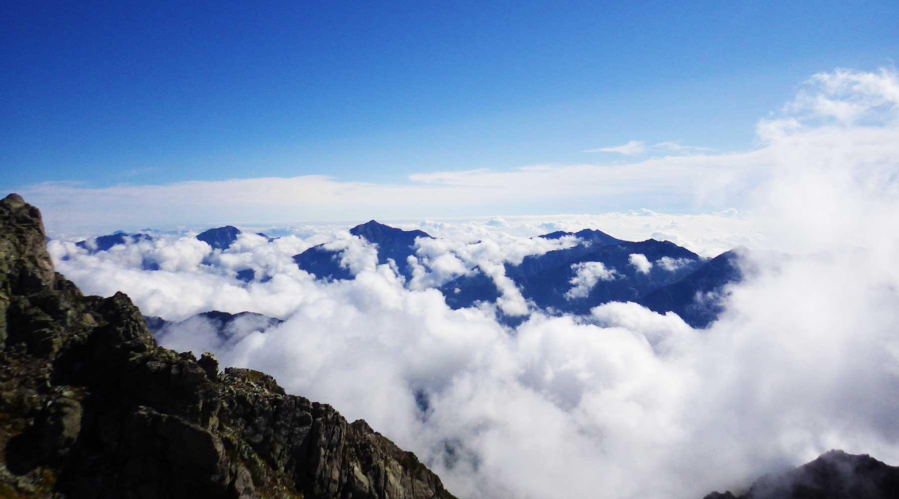 雄山から見た長野方面