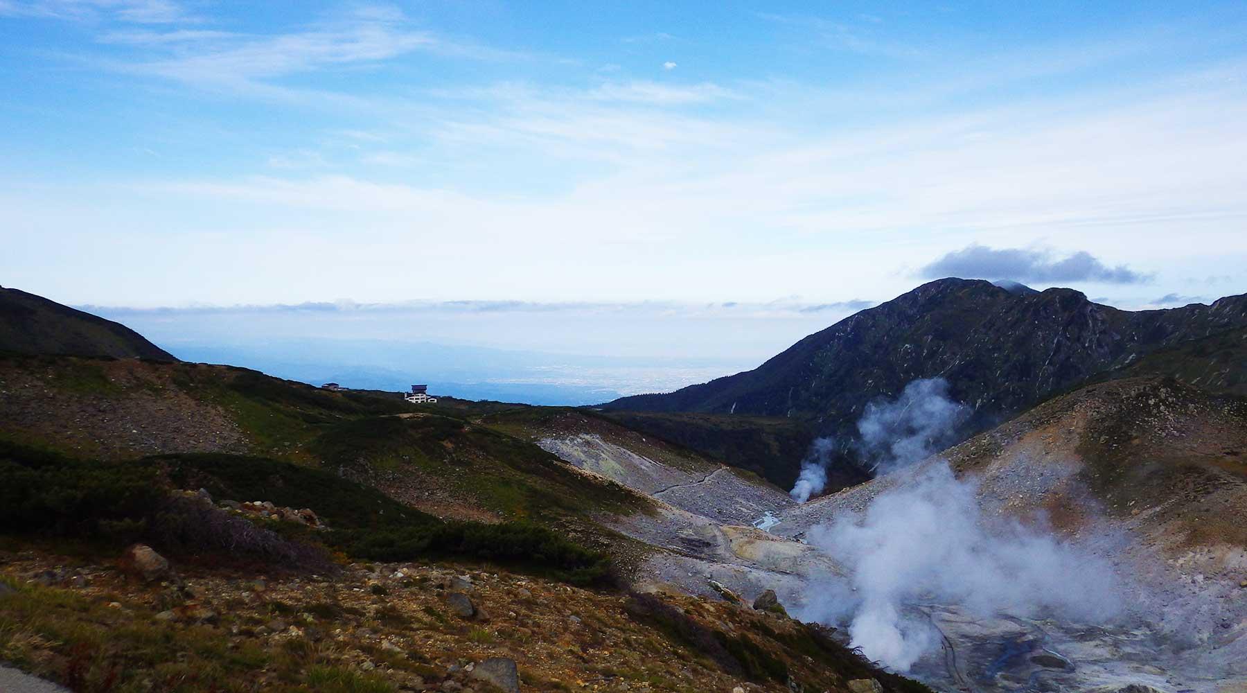地獄谷と富山市方面
