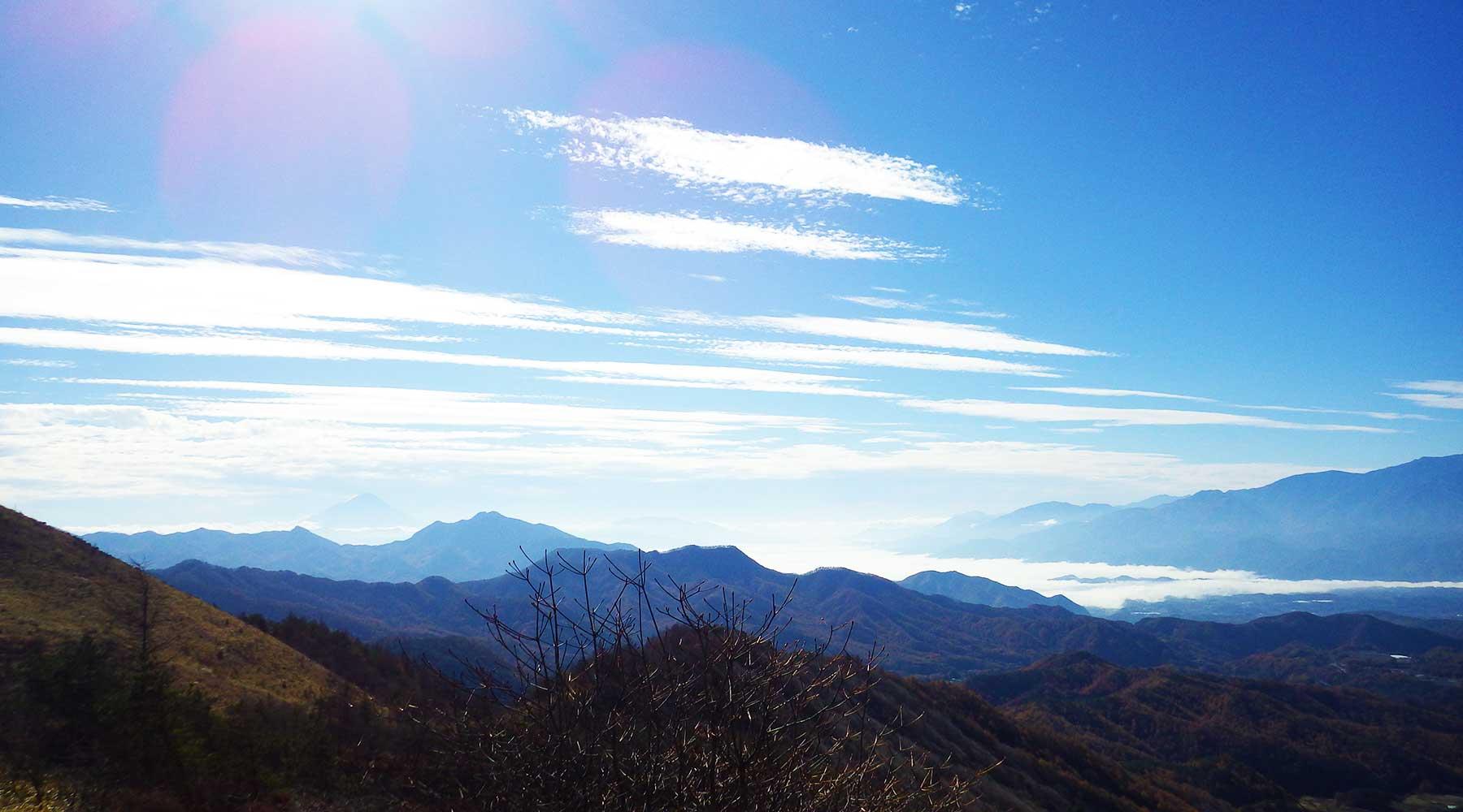 甲府盆地方面の雲海