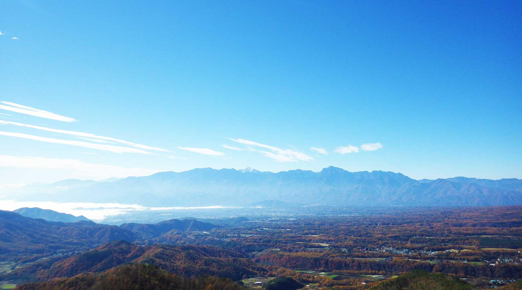 飯盛山山頂から見た南アルプス