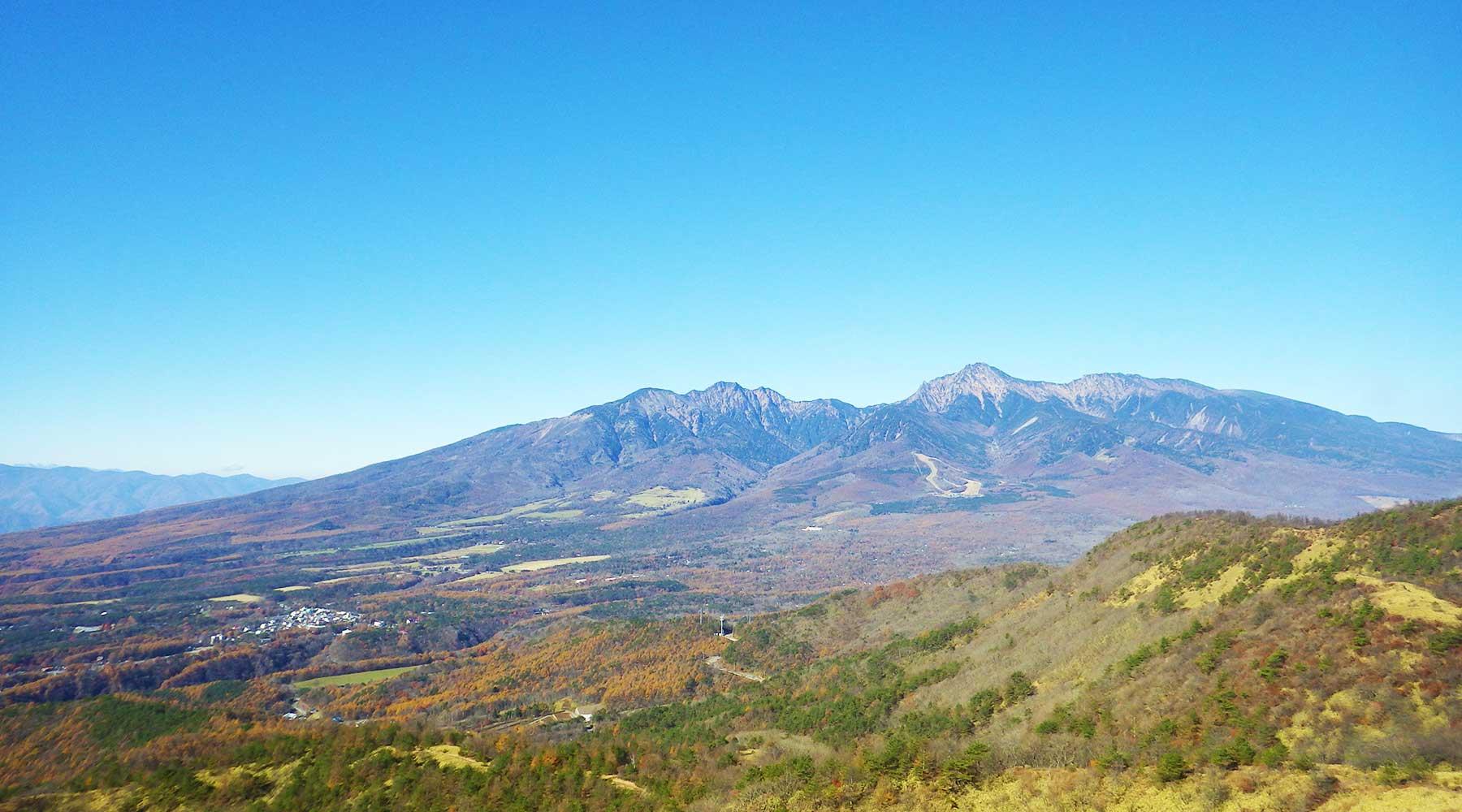 飯盛山山頂から見た南八ヶ岳
