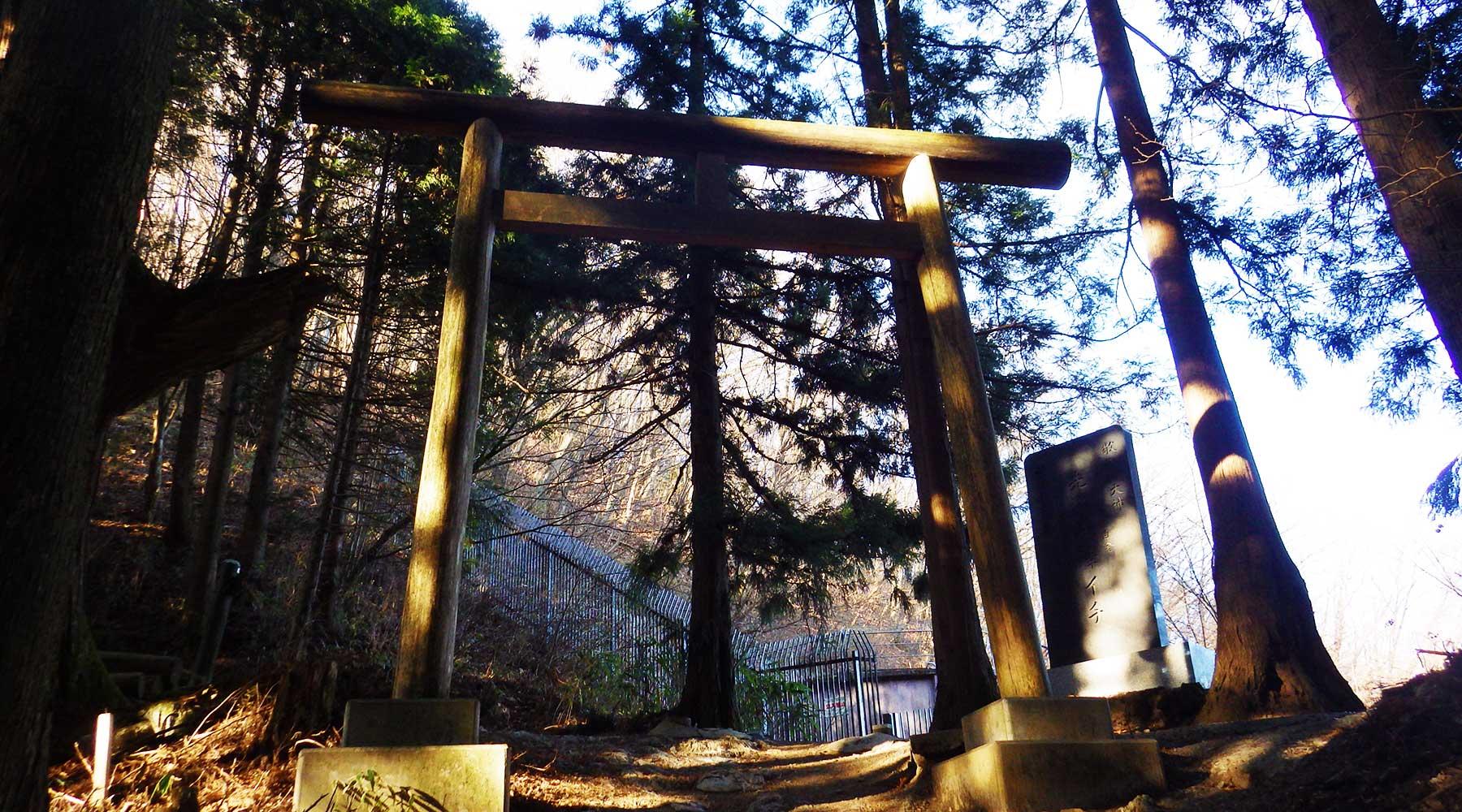 御岳山・奥の院への分岐
