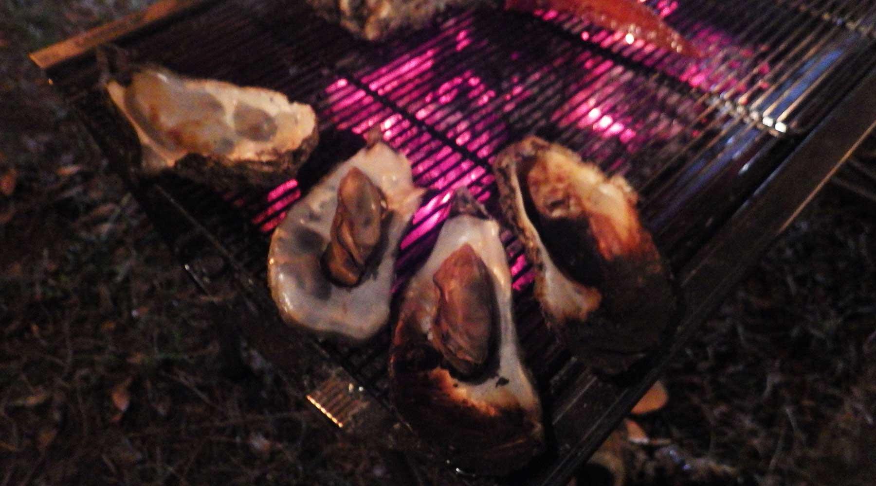 焼きすぎて燻製っぽくなった牡蠣