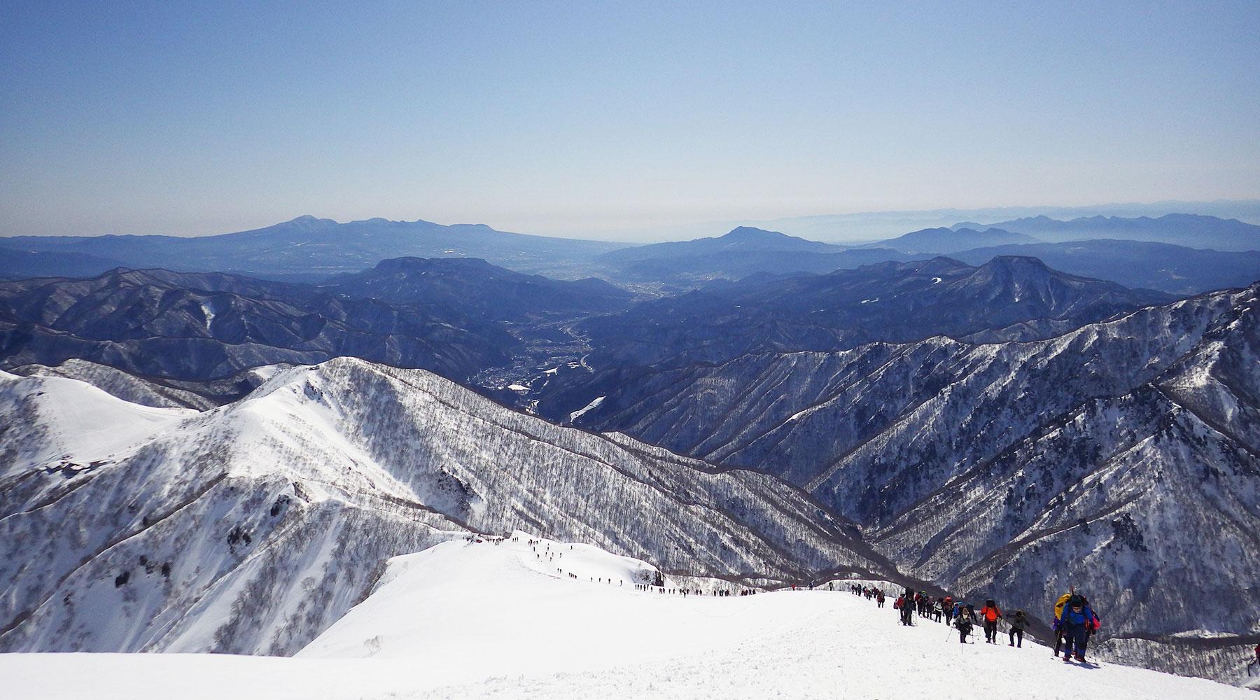 谷川岳・頂上小屋手前で振り返る