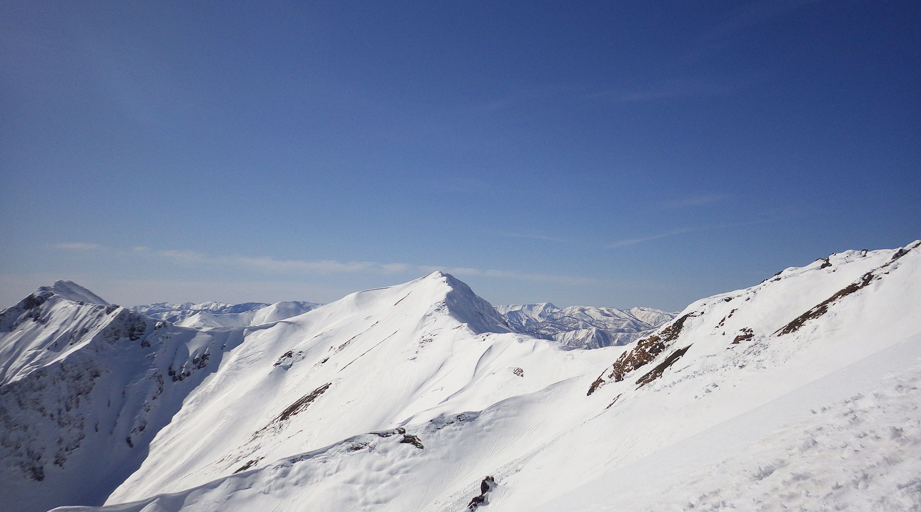 谷川岳・天神尾根から見た西側の尾根