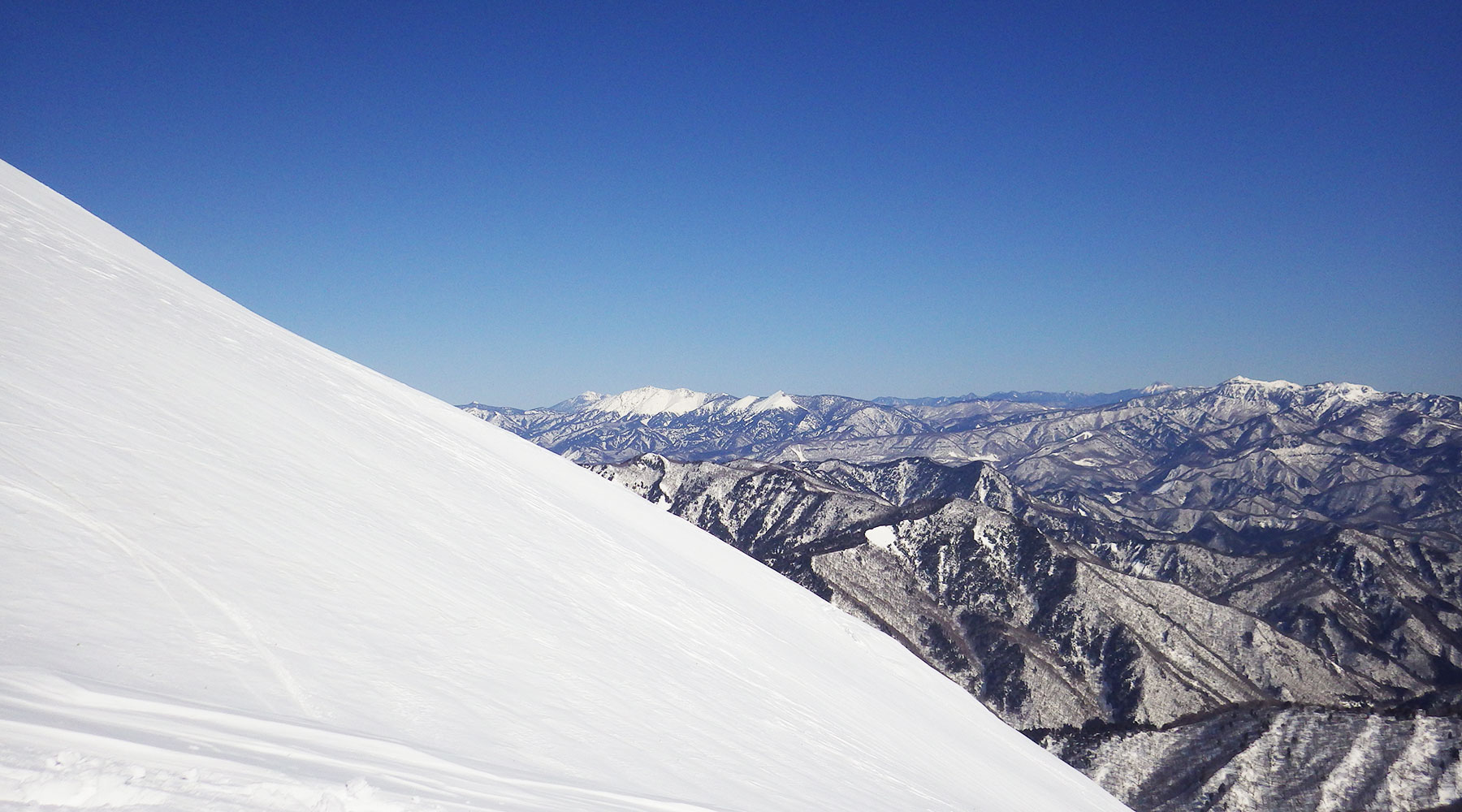 谷川岳・天神尾根から見た燧ヶ岳、至仏山、武尊山