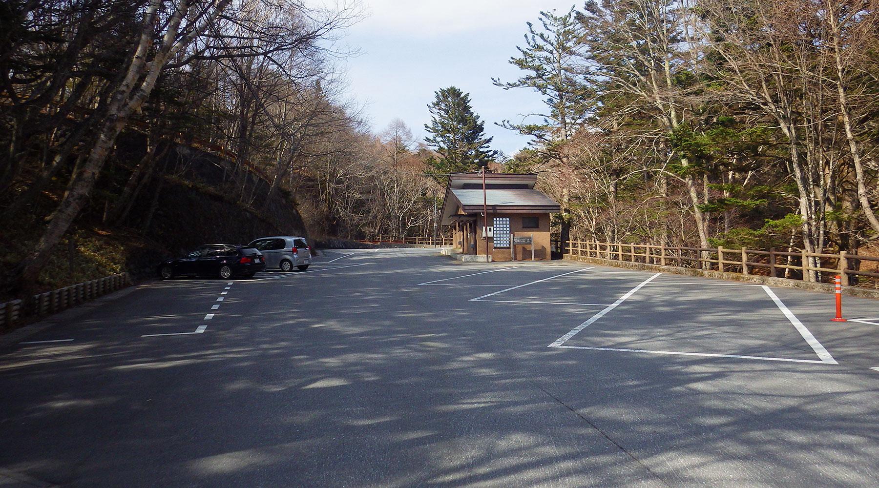 竜頭の滝駐車場