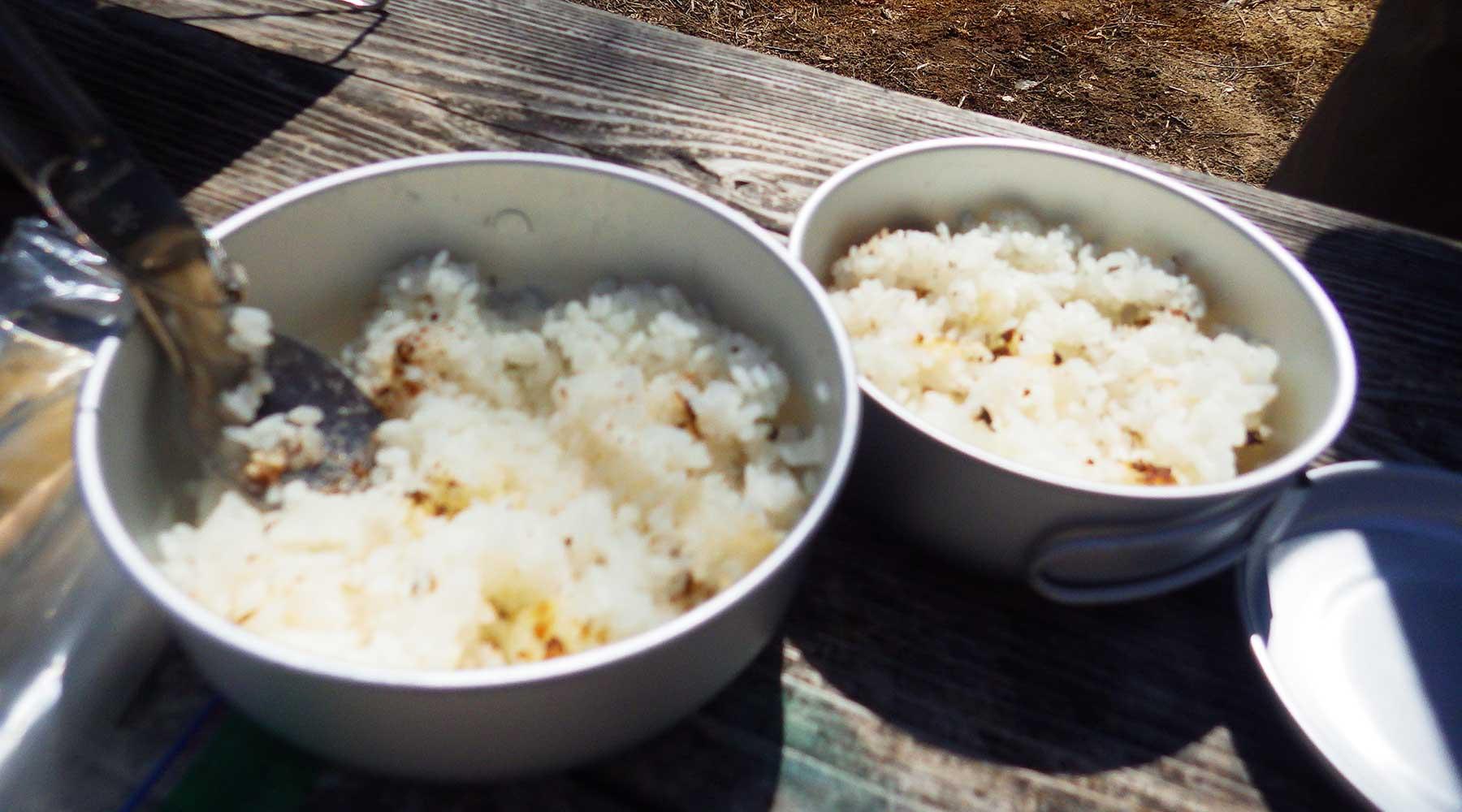戦場ヶ原・泉門池でランチ。飯盒で炊いたご飯。